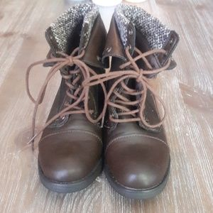 Shoes - Brown lace up ankle boots
